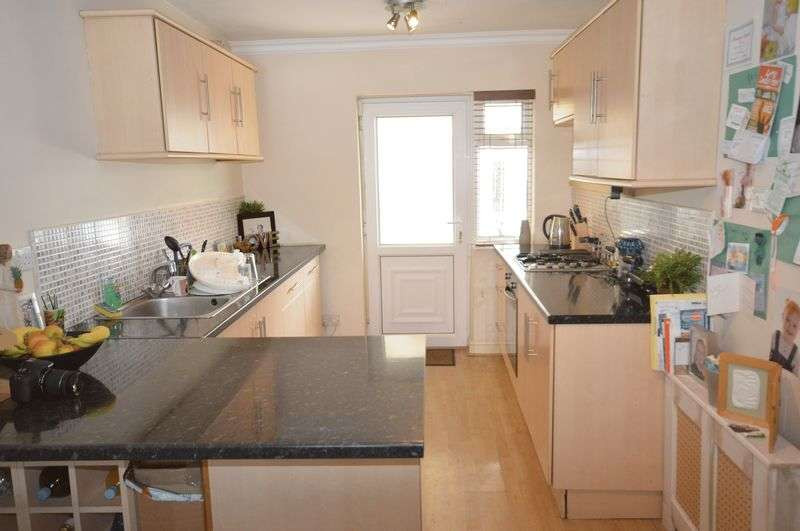 3 Bedrooms Terraced House for sale in Liverpool Road, Widnes