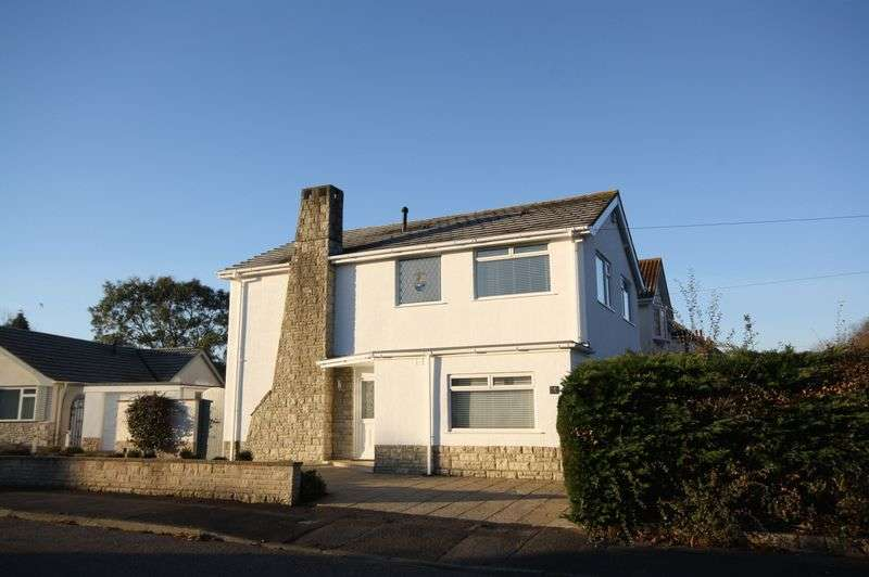 4 Bedrooms Detached House for sale in Carbery Gardens, Bournemouth
