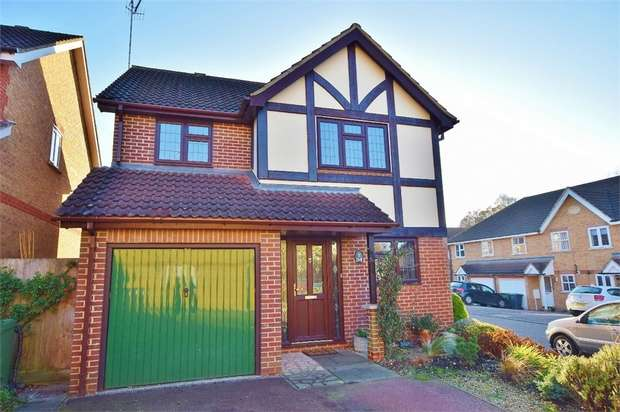 4 Bedrooms Detached House for sale in Malden Fields, BUSHEY, Hertfordshire
