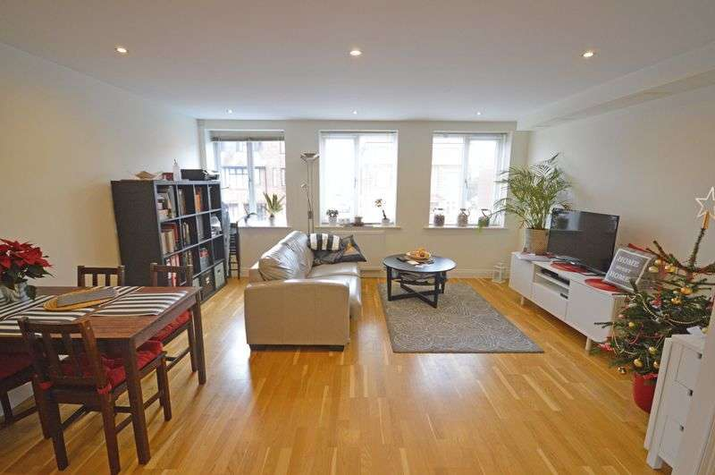 1 Bedroom Flat for sale in Headley Road, Grayshott