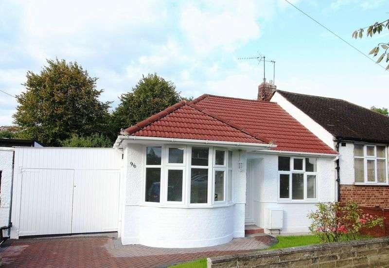 2 Bedrooms Semi Detached Bungalow for sale in Alverstone Avenue, East Barnet