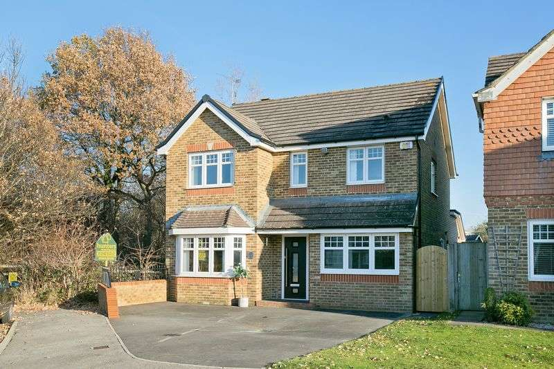 4 Bedrooms Property for sale in Foxglove Close, Burgess Hill