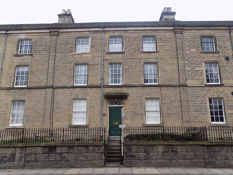 2 Bedrooms Flat for sale in Buxton Road, Bakewell