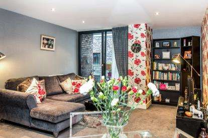 2 Bedrooms Terraced House for sale in Advent Way, Manchester, Greater Manchester, New Islington