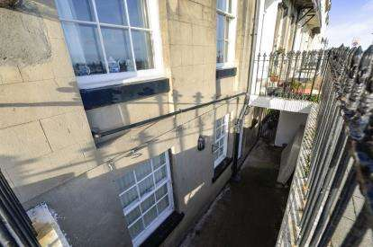 1 Bedroom Flat for sale in East Terrace, Whitby, North Yorkshire
