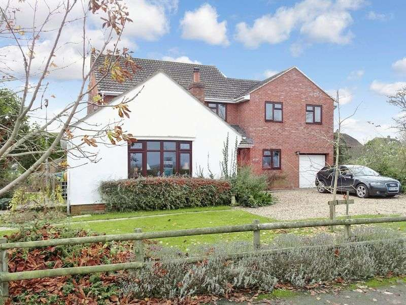 5 Bedrooms Detached House for sale in Pound Lane, Semington, Wiltshire