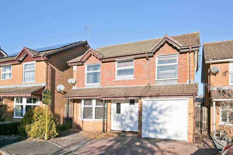 4 Bedrooms Detached House for sale in Cornford Close, Burgess Hill