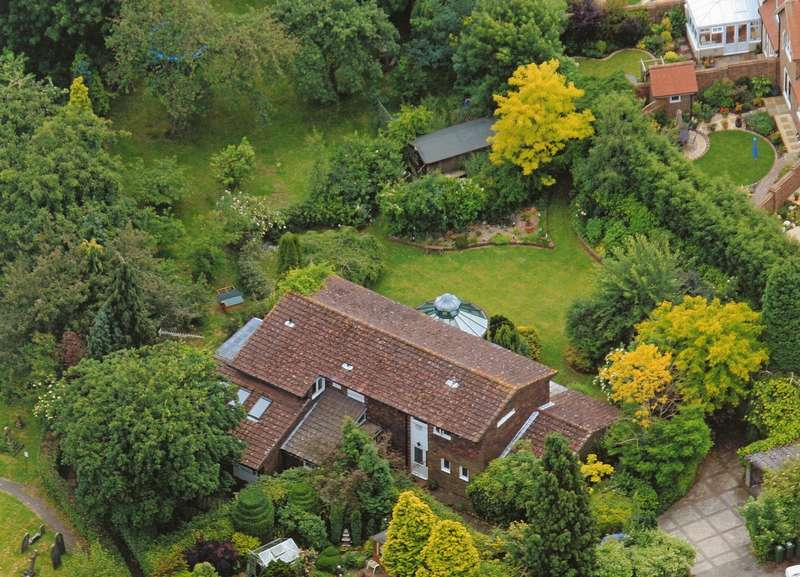 7 Bedrooms Detached House for sale in Church Street, Warnham, West Sussex, RH12