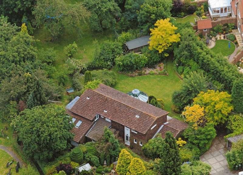 7 Bedrooms Detached House for sale in Church Street, Warnham, West Sussex, RH12