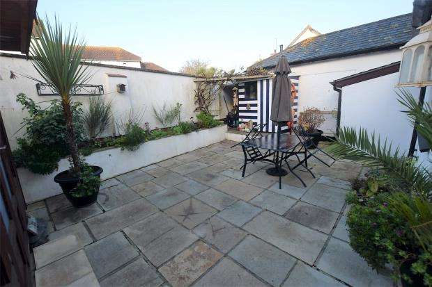2 Bedrooms Semi Detached House for sale in Old Torquay Road, Preston, Paignton, Devon