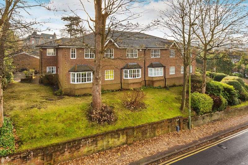 2 Bedrooms Flat for sale in Sydney Road, Guildford