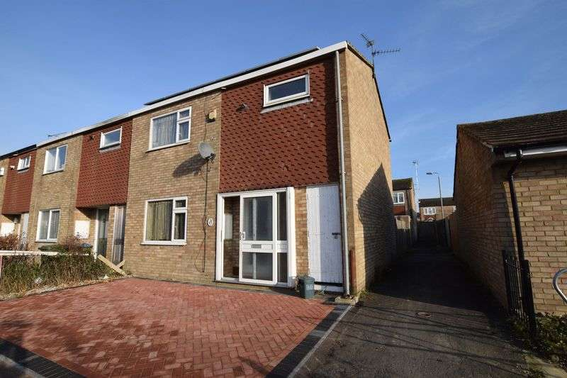 3 Bedrooms House for sale in Lavric Road, Aylesbury