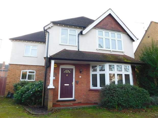 4 Bedrooms Detached House for sale in Berrylands Road, Surbiton