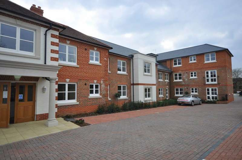 2 Bedrooms Apartment Flat for sale in King Edgar Lodge, Christchurch Road, Ringwood, BH24 1DH