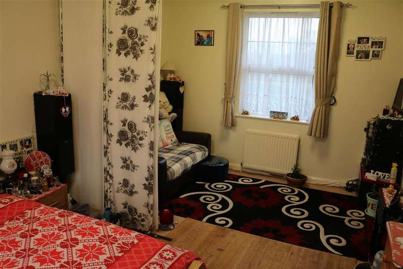 Studio Flat for sale in Shirley Oaks Road, Shirley, Croydon, Surrey