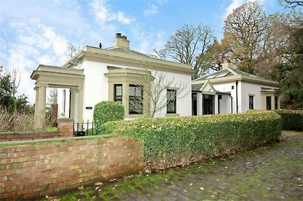5 Bedrooms Detached House for sale in Holmeswood Road, Rufford, Ormskirk, Lancashire