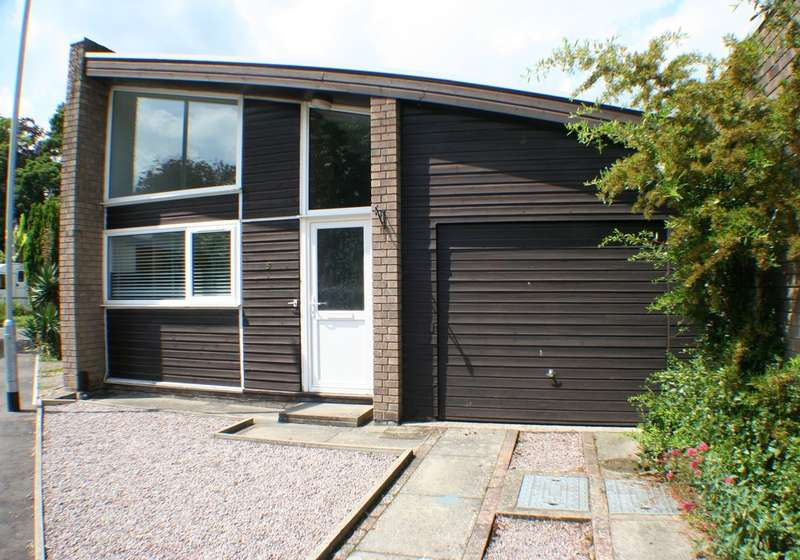 3 Bedrooms Semi Detached Bungalow for sale in CAROLINE COURT, NORWICH NR4