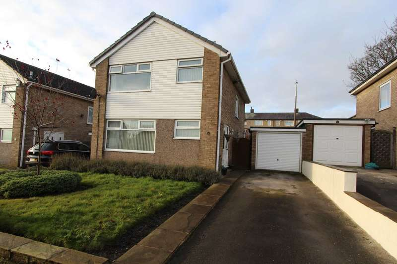 3 Bedrooms Detached House for sale in Brown Hill Drive, Birkenshaw