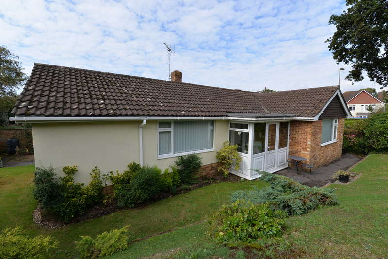 3 Bedrooms Detached House for sale in Ashley Road, New Milton