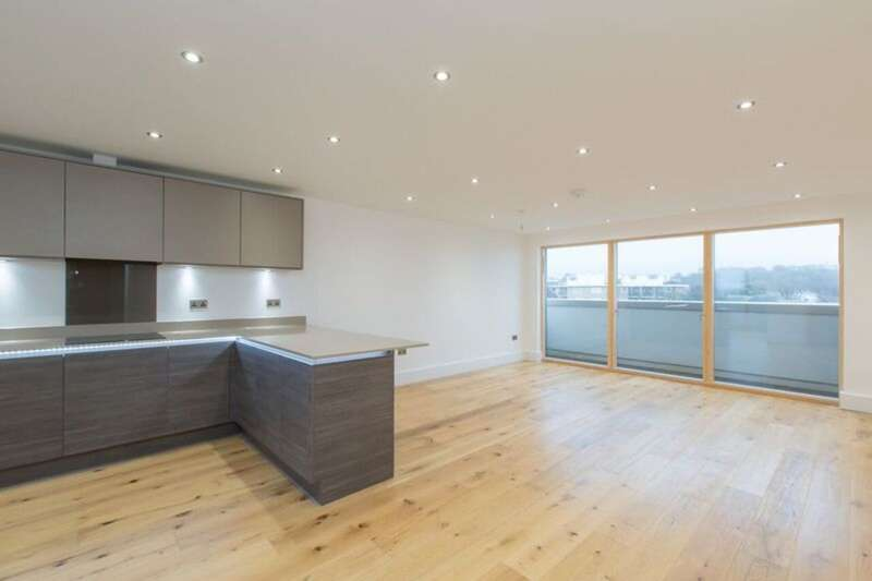3 Bedrooms Penthouse Flat for sale in Palmeria Avenue, Hove