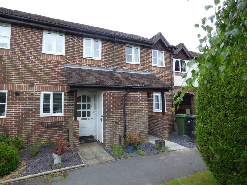 2 Bedrooms Terraced House for sale in Beechwood Court, Liss