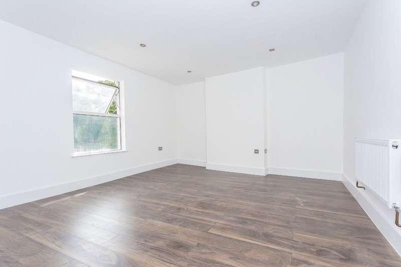 2 Bedrooms Maisonette Flat for sale in South Croydon, Surrey
