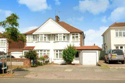 3 Bedrooms Semi Detached House for sale in Gallants Farm Road, East Barnet