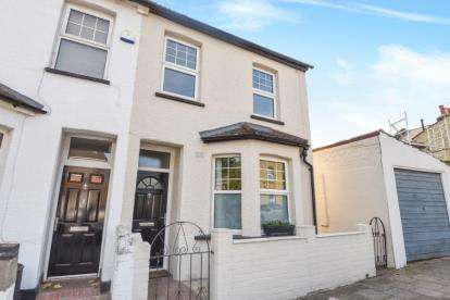 3 Bedrooms End Of Terrace House for sale in Florence Road, Beckenham