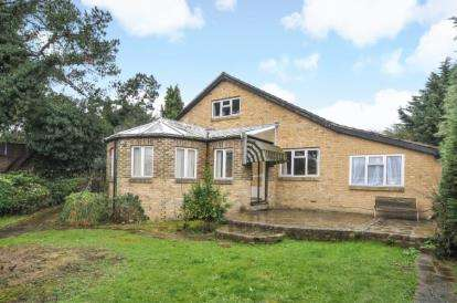 6 Bedrooms Bungalow for sale in The Glade, Shirley, Croydon