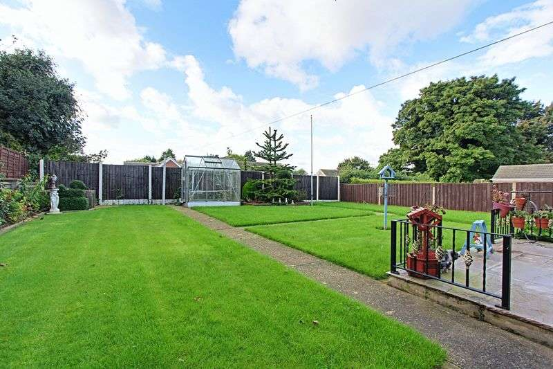 3 Bedrooms Detached Bungalow for sale in Meadow Drive, Barton-Upon-Humber