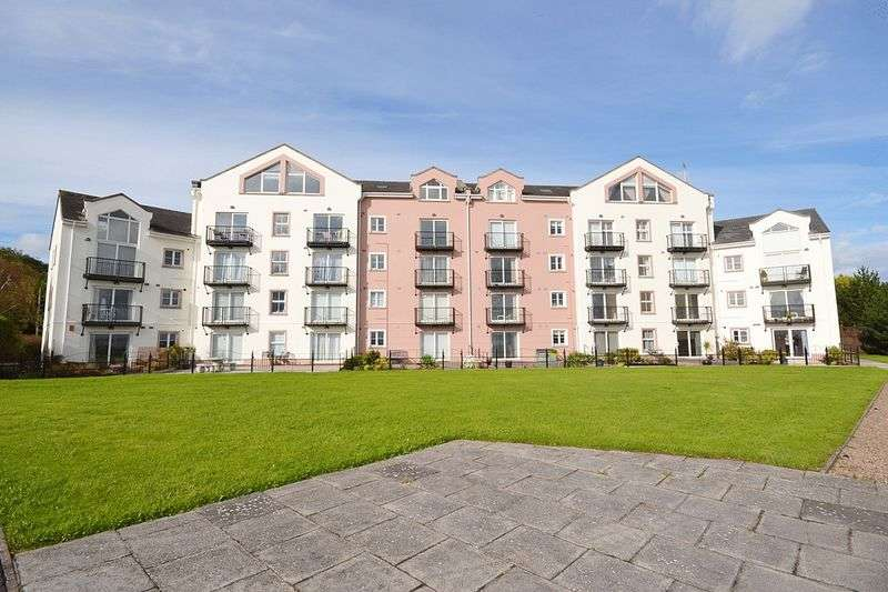 2 Bedrooms Flat for sale in Castlerocklands, Carrickfergus