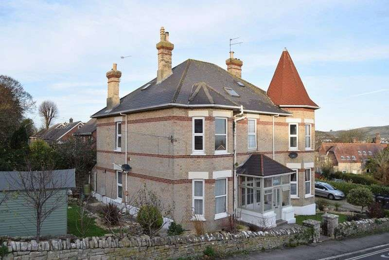 Flat for sale in Swanage