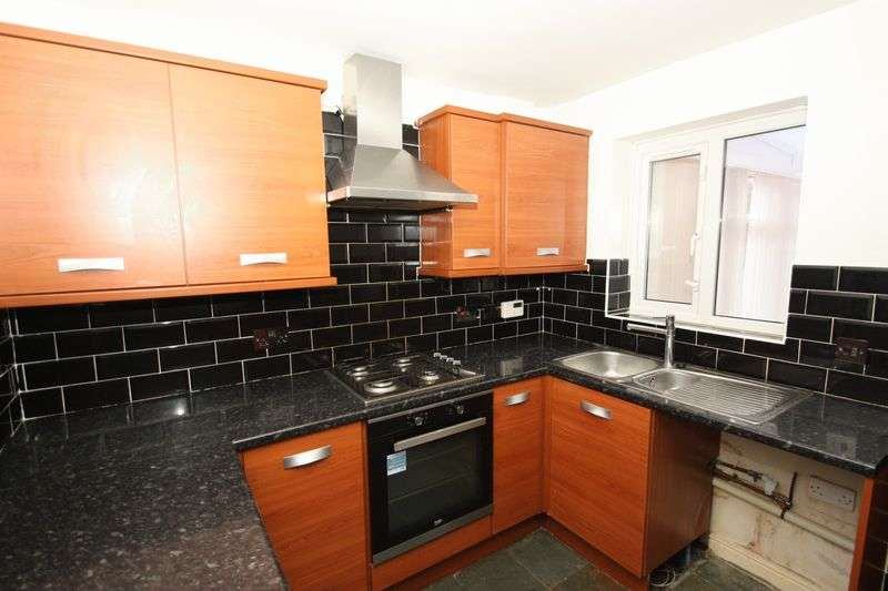 2 Bedrooms Semi Detached House for sale in Buttercup Close, Upton