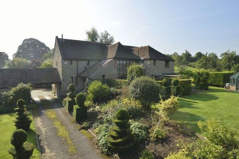 5 Bedrooms House for sale in A spacious light filled property in a peaceful location on the edge of a village near Bruton.