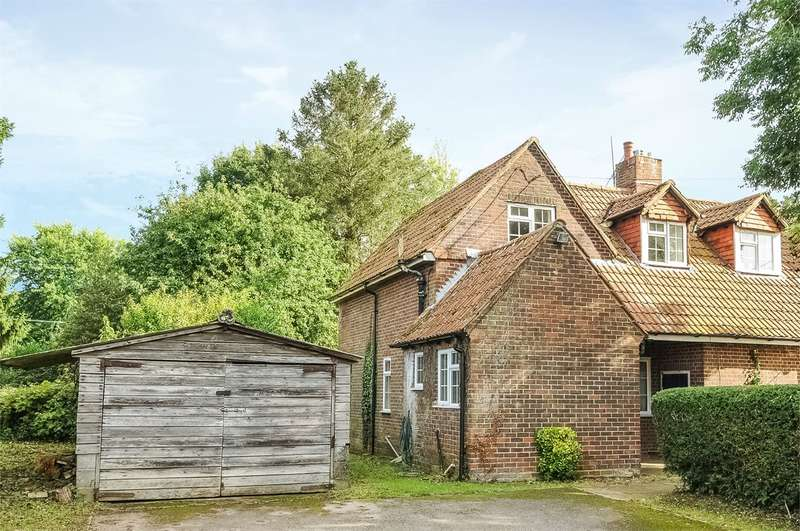 3 Bedrooms Semi Detached House for sale in Hillside Road, Sparsholt, Winchester, SO21