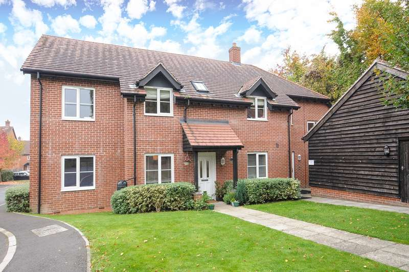 3 Bedrooms Apartment Flat for sale in Highways Road, Compton, Winchester, SO21
