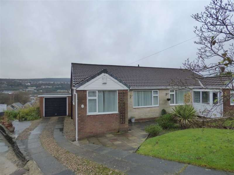 3 Bedrooms Property for sale in Richmond Crescent, Mossley, Ashton-under-lyne, Lancashire, OL5