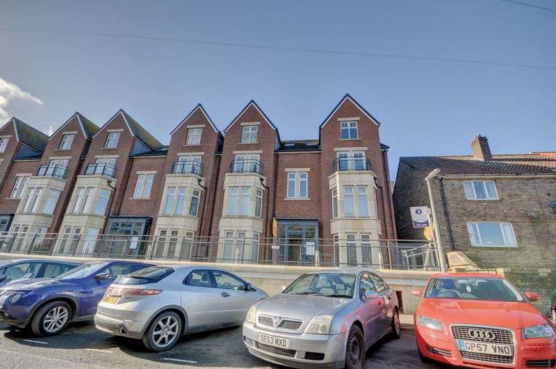 2 Bedrooms Flat for sale in Albion Place, Whitby