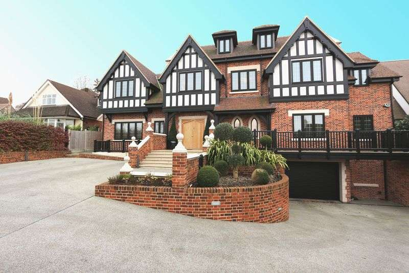 7 Bedrooms Detached House for sale in 6 bedroom detached house for sale, High Road, Chigwell