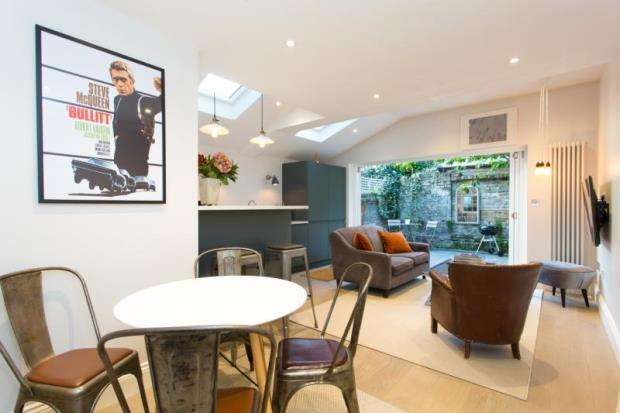 2 Bedrooms Apartment Flat for sale in Halford Road, London, SW6