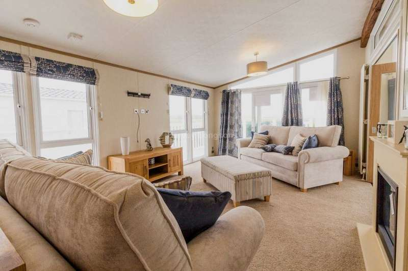2 Bedrooms Lodge Character Property for sale in Warsash, Southampton, Hampshire