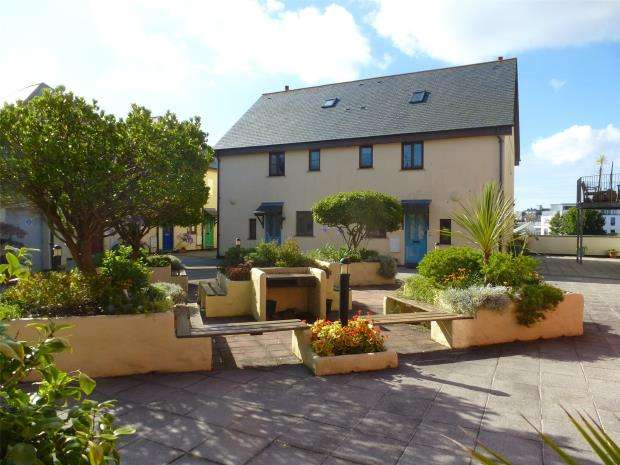 3 Bedrooms Semi Detached House for sale in Wharfside Village, Wharf Road, Penzance, Cornwall