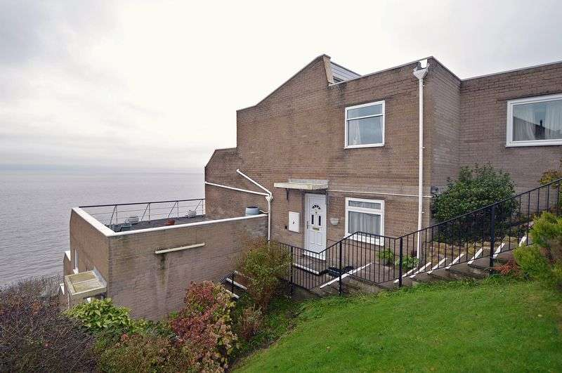 2 Bedrooms Flat for sale in Overlooking the Bristol Channel in Clevedon