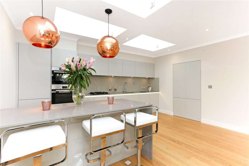 2 Bedrooms Flat for sale in 61 High Street, Brentford, TW8