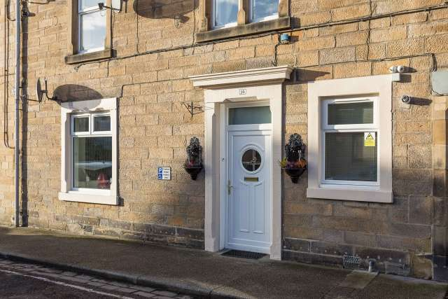 1 Bedroom Ground Flat for sale in Roxburgh Place, Galashiels, Borders, TD1 1HE