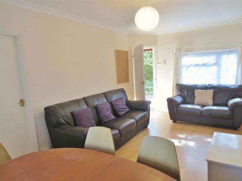 5 Bedrooms Terraced House for rent in Southall Avenue, Brighton