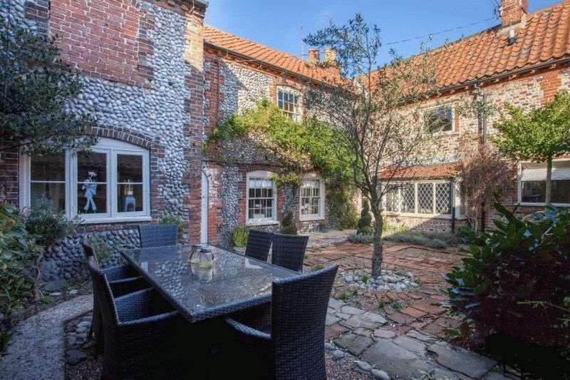4 Bedrooms Terraced House for sale in Blakeney, Norfolk