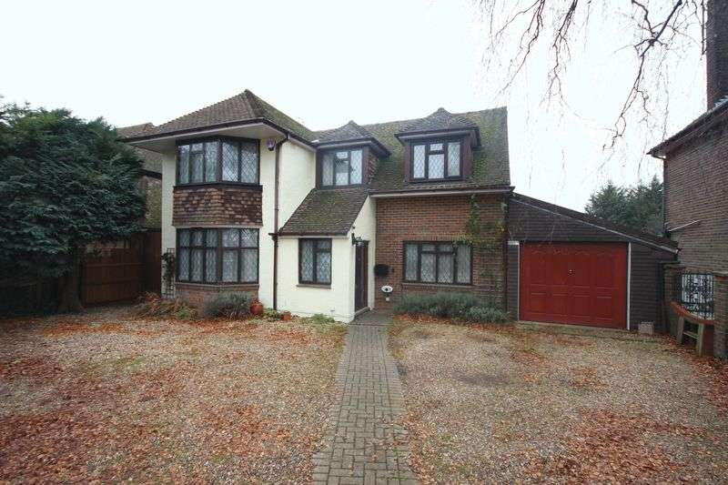 5 Bedrooms Detached House for sale in Dunstable Road.