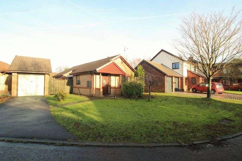 2 Bedrooms Detached Bungalow for sale in Hollowsfarm Avenue, Rochdale