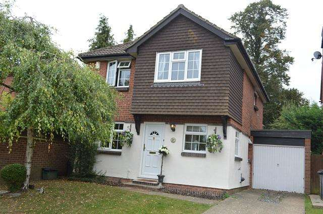 4 Bedrooms Detached House for sale in Amberley Close, Orpington, Kent, BR6 6NG